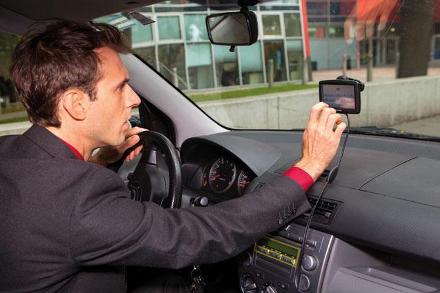 Durch das Navigationssystem kann der Arbeitgeber kontrollieren, ob wir Umwege bei Dienstfahrten machen. (Foto: Nurith Wagner-Strauss)