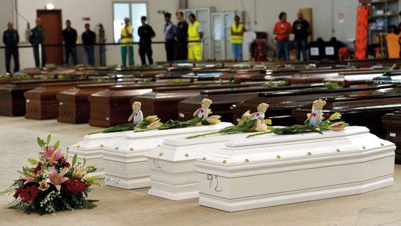 Die vielen ertrunkenen Flüchtlinge vor Lampedusa sind ein Synonym für das Versagen der europäischen Flüchtlingspolitik. (Foto: ALBERTO PIZZOLI / AFP / picturedesk.com)