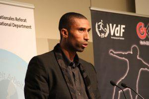 """Abdeslam Ouaddou ist das Sprachrohr der Kampagne """"Neu Abstimmen"""" (Foto: ÖGB / Thomas Reimer)"""