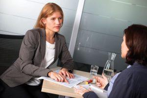 BetriebsrätInnen wie Julia Konecny vom Verbund Konzern lassen sich von der Rechtsabteilung der GPA-djp beraten. (Bild: Nurith Wagner-Strauss)
