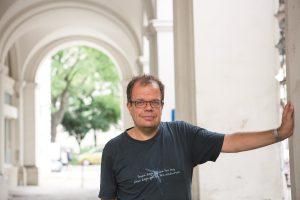 ROLAND ATZMÜLLER ist Assistenzprofessor an der Johannes-Kepler-Universität Linz in der Abteilung für theoretische Soziologie und Sozialanalysen. Foto: Nurith Wagner-Strauss