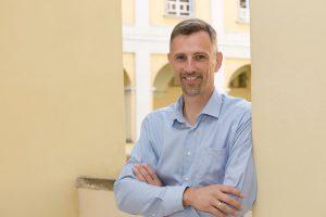 Der stellvertretende Vorsitzende des Betriebsrats der Diözese St. Pölten Andreas Laaber im KOMPETENZ-Porträt. Foto: Werner Jäger