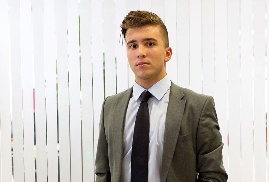 Marcel Klaric, 16, absolviert derzeit eine Ausbildung zum Büro- und Bankkaufmann bei der Bank Austria. Foto: Nurith Wagner-Strauss