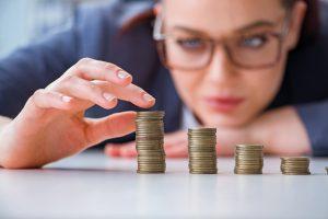Niedrigere Steuern bedeuten auch weniger Leistung durch den Staat. Foto: Fotolia.com, Elnur