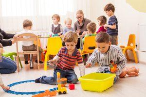 12 Stunden arbeiten – und die Kinder?