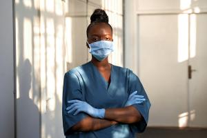 Frauen schultern die Krise – und verdienen immer noch zu wenig